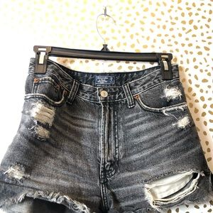 ABERCROMBIE & FITCH DISTRESSED SHORTS Sz 25